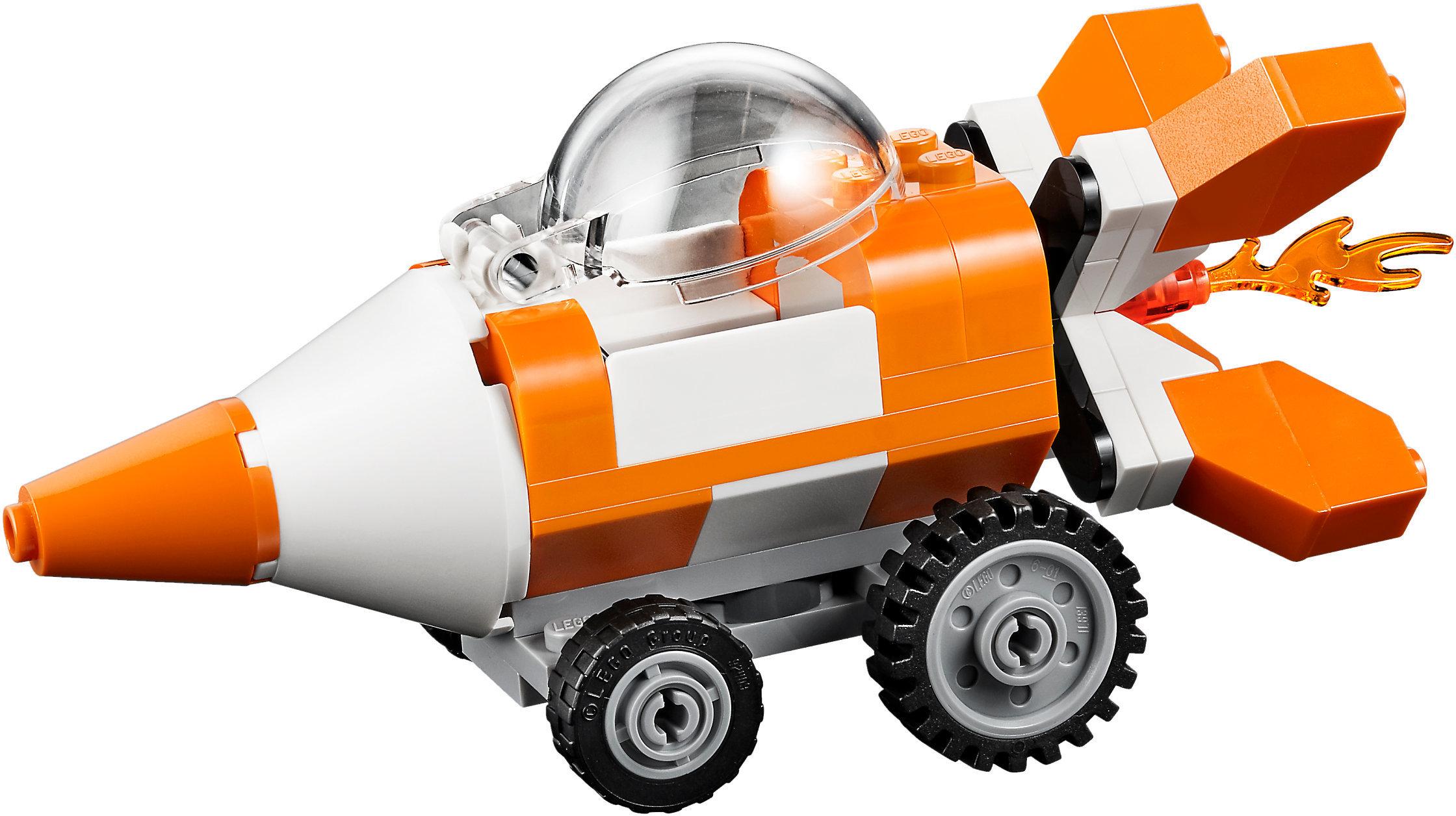Lego juniors ocean's bottom