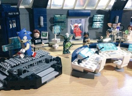 Lego flash star labs