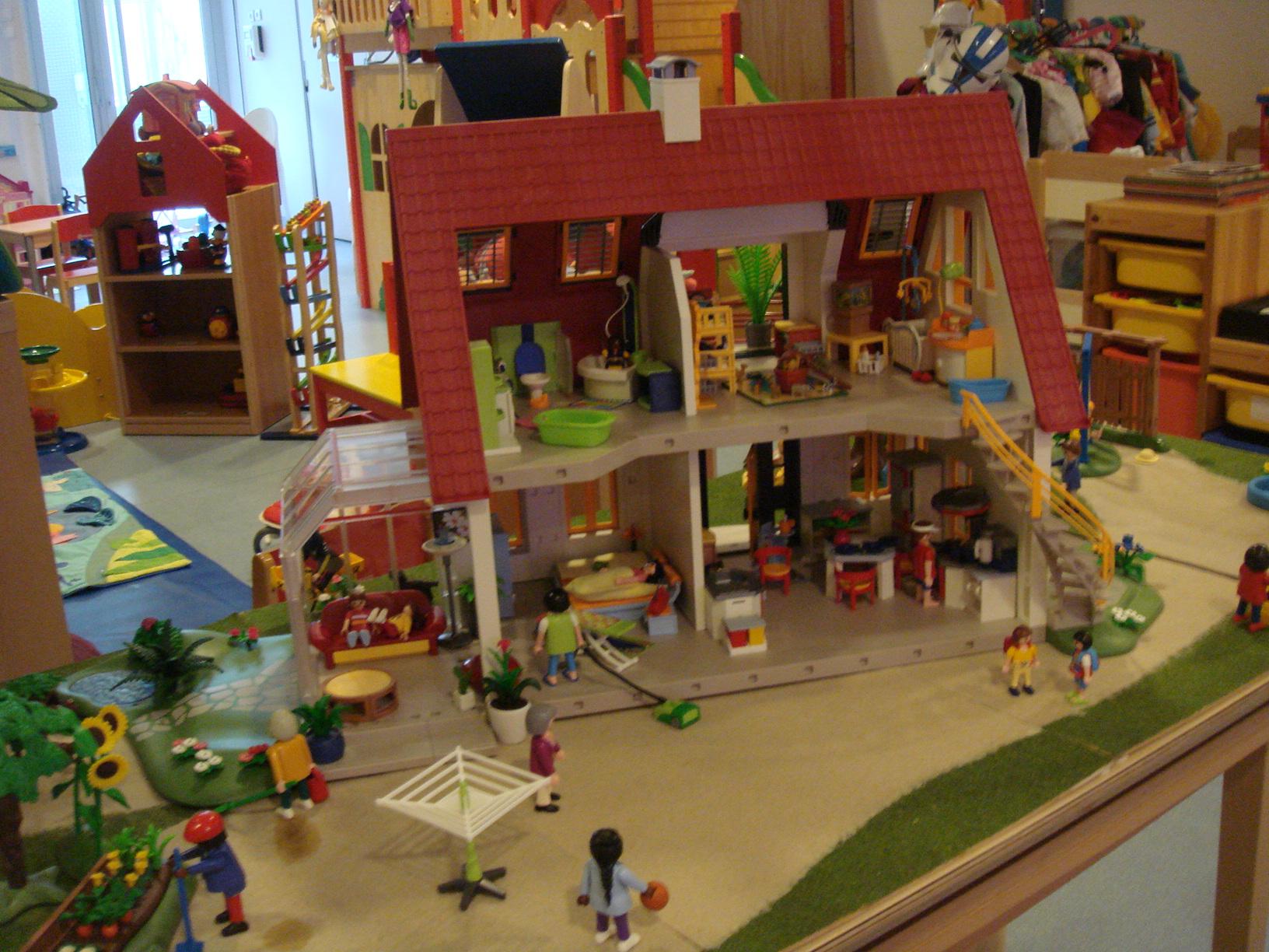 Comment construire une maison playmobil en kapla ventana blog - Construire une maison playmobil ...
