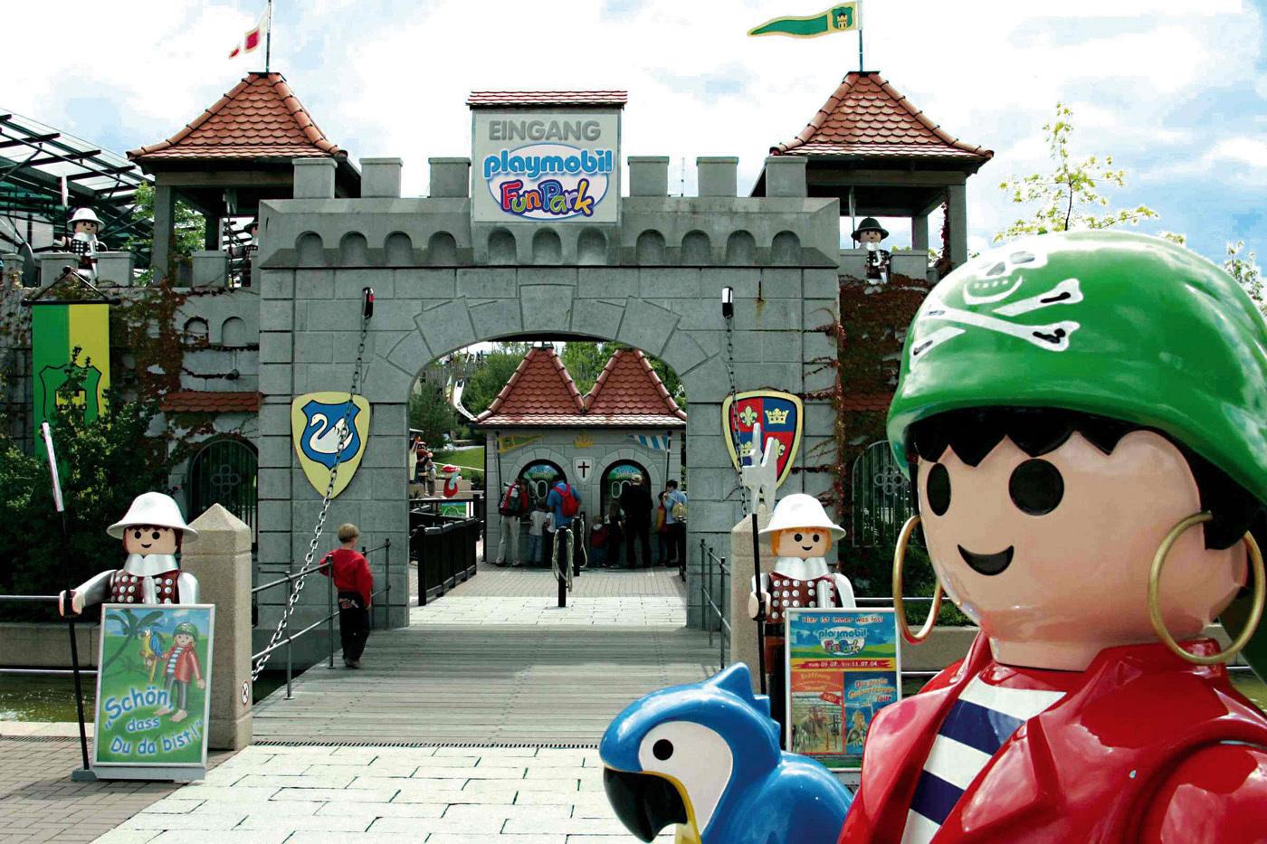 Playmobil fun park hours